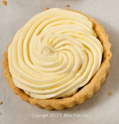 Piping Pastry Cream 4