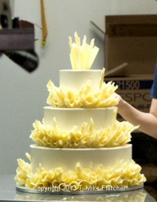 Wedding cake with curls