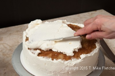 Frosting cake 3