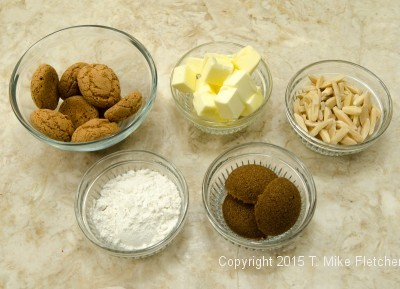 Ingredients for the amaretti crips