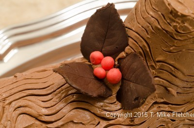 Leaf with berries for the Buche de Noel