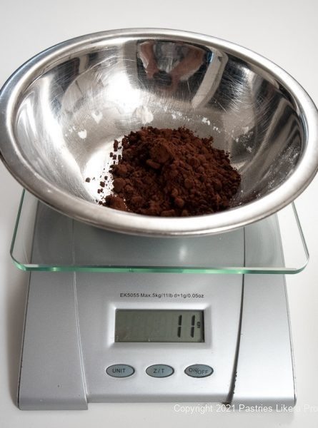 Cocoa weighed in the bowl